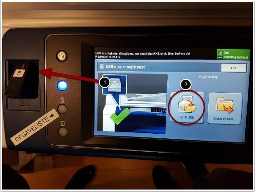 Start med at sætte en usb pen/disk i usb porten