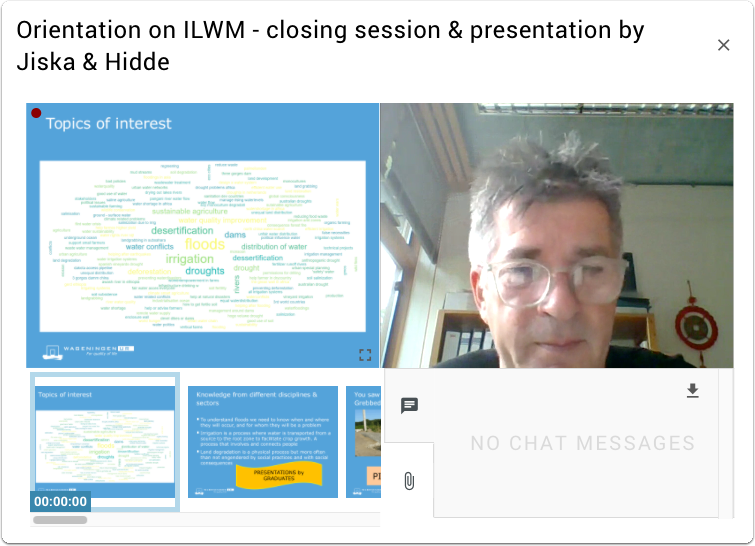 Figure 1: Sessions for the entire class were held in the Virtual Classroom